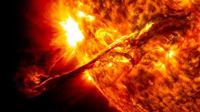 c4e6ba33_giant_prominence_on_the_sun_erupted